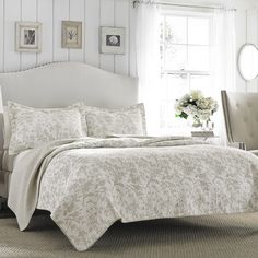 Laura Ashley Home Amberley Bisquit Quilt Set