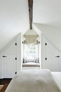 45 Comfy Attic Bedroom Decoration Design Ideas ✓ & The attic is usually a reasonably engaging room in our residence is barely we perceive the way to design it. 45 Comfy Attic Bedroom Decoration Design Ideas ✓ Source by caitlinsays Attic Master Bedroom, Attic Bedroom Designs, Bedroom Nook, Attic Bedrooms, Attic Design, Upstairs Bedroom, Interior Design, Attic Bathroom, Interior Ideas
