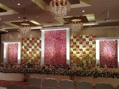 Contemporary Decor Ideas To Doll Up Big Days Floral - ly Reception Stage Decor, Wedding Stage Design, Wedding Hall Decorations, Wedding Reception Backdrop, Marriage Decoration, Engagement Decorations, Backdrop Decorations, Flower Decorations, Wedding Entrance