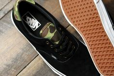 ab4f86200b In a classic pairing of camouflage and black