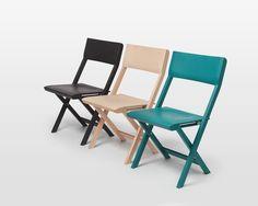 Pli Folding Chair is a minimal design created by Switzerland-based designer Florian Hauswirth.