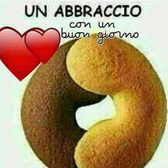 Buongiorno abbracci - ImmaginiFacebook.it Italian Phrases, Start The Day, Pinterest Blog, Good Mood, Morning Quotes, Good Morning, Genere, Randy Orton, Postcards