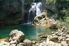 Reiservaringen Slovenië, reisverhalen & tips over Slovenië reizen Places To Go, Waterfall, Road Trip, Wanderlust, Camping, River, Explore, Mountains, Country
