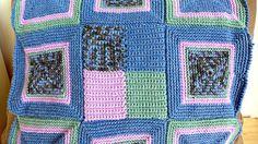 Delizioso copri sedia alluncinetto nelle tonalità del lilla, verde e blu, fatto a mano per decorare le vostre case, cucine e zone living in stile