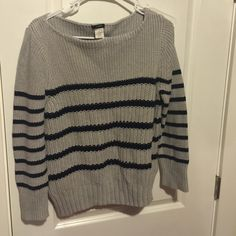 SUPER WARM J CREW SWEATER Perfect for winter looks great on J. Crew Sweaters