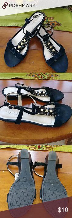 Reaction Kenneth Cole summer sandals . Good condition Reaction Kenneth Cole Shoes Flats & Loafers