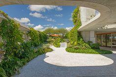 Residential Landscape Design Honor Award Sky Garden by Raymond Jungles, Inc - 谷德设计网 Landscape Architecture, Landscape Design, Garden Design, Miami Architecture, Sky Garden, Garden Pool, Garden Landscaping, Patio Interior, Interior Exterior
