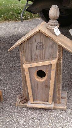 Repurposed Zaun, Stuhl Dübel - - Cabanes d oiseaux - Vogelhaus. Repurposed Zaun, Stuhl Dübel - - Cabanes d oiseaux - Wooden Bird Houses, Bird Houses Diy, Bird House Plans, Bird House Kits, Bird Tables, Homemade Bird Houses, Bird House Feeder, Bird Feeders, Bird Aviary