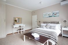 Located in Sedgefield, Duet House is 10 km from Lakes Area National Park and features BBQ facilities and a garden.