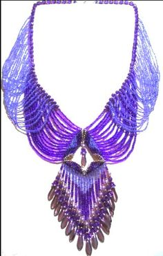 Victorian Drape Necklace Pattern. Love the criss-crossing of the strands