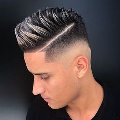 Men's New Haircuts 2018 Trending Hairstyles For Men, Mens Hairstyles Fade, Cool Hairstyles For Men, Hairstyles Haircuts, Haircuts For Men, Hair And Beard Styles, Short Hair Styles, Silver Hair Highlights, Gents Hair Style
