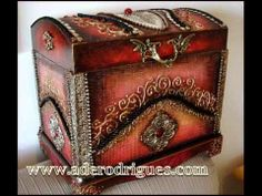 CRIAÇÕES ADÊ RODRIGUES Cigar Box Art, Decoupage Box, Pewter Metal, Altered Boxes, Master Class, Trinket Boxes, Wooden Boxes, Metal Art, Wood Projects