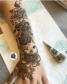 Pretty Henna Designs, Floral Henna Designs, Mehndi Design Photos, Dulhan Mehndi Designs, Henna Tattoo Designs, Mehndi Designs For Hands, Mehndi Images, Henna Mehndi, Henna Art