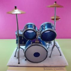 Realistic miniatures musical instrument: drums di WizzyArtCreation