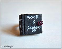 #Mini #Book #Ring #Book of #Shadows Adjustable ring di Mandragola, €9,00