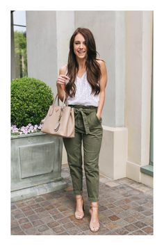 Trend roundup: paperbag waist something beautiful paper bag waist pants, pa Casual Work Outfits, Classy Outfits, Casual Wear, Trendy Outfits, Cool Outfits, Summer Outfits, Fashion Outfits, Fashion Trends, Trousers Women Outfit