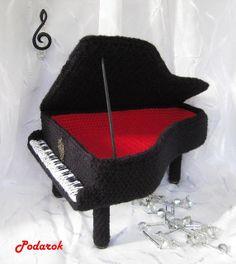 baby grand piano amigurumi