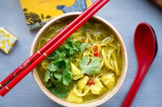 Easy to make, comforting Thai Chicken Noodle Soup in just 40 minutes. Phuket Food, Thai Chicken Noodles, Thai Recipes, Yummy Recipes, Asian, Thai Red Curry, Yummy Food, Coriander, Poultry