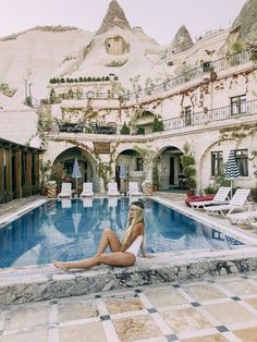 How to Spend the Best 5 Days in Turkey - The Ultimate Jam-packed Travel Guide - Ou La Vix Travel Packing, Travel Guide, Instagram Vs Real Life, Cave Hotel, Nikki Beach, Domestic Flights, Turkey Travel, Best Start, Group Tours