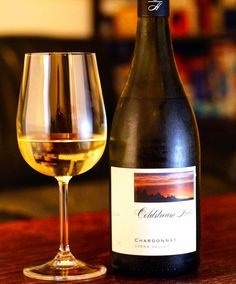 It is far too hot in #Sydney today to get started on our assignment wines tonight (see our website). Definitely white weather  Coldstream Hills #Chardonnay 2014  Aroma: Peach with a dusty cedar Taste: Quite high acidity backed by a toasted oakiness.  Feels like it can go somewhere but stops very short.  When you're freewheeling down the highway and come up suddenly on a wall of traffic.  #wine #winelover #winetime #wineo #winenight #wineporn #winetasting #winestagram #instawine #vino #cheers…