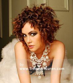 ROYSTON BLYTHE Braun Mittel Weiblich Curly gewellte Frauen Frisuren hairstyles