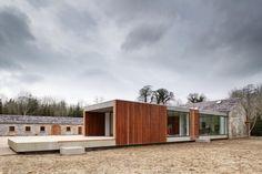 Ballymahon / ODOS architects -modern extension to an old farm house in Dublin, Ireland.
