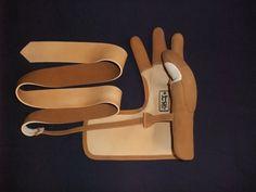 手縫いゆがけの製作工程(本体)