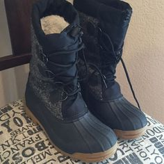 J Crew sorel style boots J Crew sorel style boots. Gentle used. Great for winter! J. Crew Shoes Winter & Rain Boots