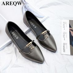 2017 spring new Korean version of the pointed shallow mouth flat women's shoes fashion comfortable shoes
