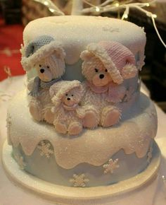 Have a look at these adorable Christmas cake decorations and get inspired for the holidays. Enjoy! Photo Source Photo Source