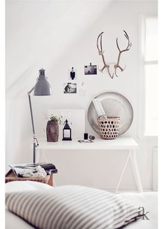 Bedroom corner: black white natural.Via Imagination for breakfast