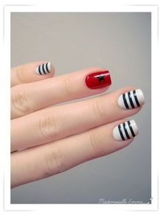 Sweet heart fashion nails make up