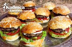 Hamburger Rezept zu Hause - Aperatifler - Eat or Not Foods Hamburger Menu, Hamburger Recipes, Healthy Eating Tips, Healthy Nutrition, Mini Hamburgers, Greek Cooking, Turkish Recipes, Seafood Dishes, Food Menu