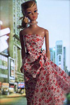 Barbie is in Times Square wearing a dress by Dressmaker Details Dress Up Dolls, Barbie Dress, Pink Dress, Platinum Hair Color, Vintage Barbie Clothes, Doll Wardrobe, Barbie Collector, Barbie Friends, Barbie World