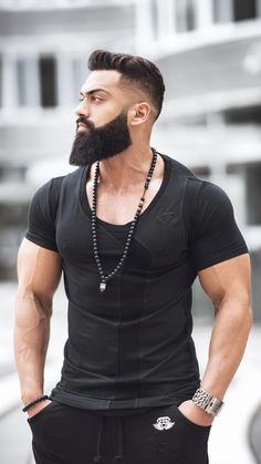 Best Beard Styles for Men in 2020 Medium Beard Styles, Long Beard Styles, Beard Styles For Men, Hair And Beard Styles, Beard And Mustache Styles, Beard No Mustache, Great Beards, Awesome Beards, Mens Hairstyles With Beard