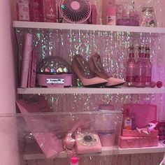 Pin by amelia yong on aesthetic pink aesthetic, pink, everything pink. Boujee Aesthetic, Bad Girl Aesthetic, Aesthetic Vintage, Aesthetic Pictures, Aesthetic Pastel, Pink Love, Pretty In Pink, Pretty Shoes, Tout Rose