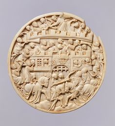 Roundel with Scenes of the Attack on the Castle of Love,  ca. 1320–40. Made in Paris, France. The Metropolitan Museum of Art, New York. The Cloisters Collection, 2003 (2003.131.1)