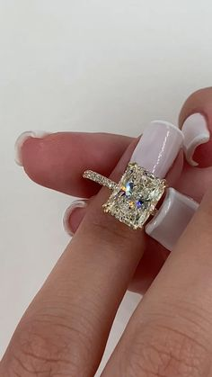 Radiant Engagement Rings, Beautiful Engagement Rings, Diamond Engagement Rings, Diamond Wedding Ring Sets, Wedding Ring Gold, Weding Ring, Big Diamond Rings, Wedding Ring Cushion, Emerald Cut Engagement