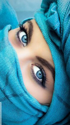 Beautiful hijab, beautiful love, gorgeous women, woman with blue eyes, arabian beauty Beautiful Muslim Women, Beautiful Hijab, Gorgeous Women, Most Beautiful Faces, Stunning Eyes, Pretty Eyes, Cool Eyes, Arabic Eyes, Woman With Blue Eyes
