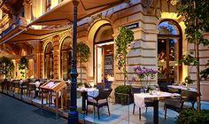 Dstrikt Steakhouse offers guests a terrace to enjoy an evening al fresco at The Ritz-Carlton, Vienna.