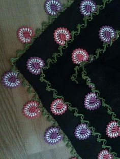 Tığ işi kolye video 2017 New Anatolian Work Crochet Needlework Models And Making Capture Immortality with Albums To live many happy moment. Crochet Borders, Crochet Lace, Crochet Patterns, Crochet Edgings, Baby Album, Tatting Lace, Bargello, Lace Flowers, Needlework