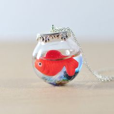 Cute Goldfish Necklace Red Goldfish In Round Glass par minnadiy, $15.90