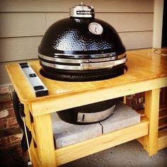 Why I Chose the Kamado Joe Over the Big Green Egg.  #kitchengadgets  #gadgets  #grill