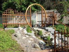 25 Moon Gate Idea For Gardens - Garden ideas Garden Doors, Garden Gates, Garden Bridge, Asian Garden, Chinese Garden, Tor Design, Gate Decoration, Moon Gate, Japanese Garden Design