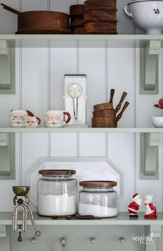 Festive and Beautiful Christmas Kitchen Decor Ideas #holiday #christmas #kitchen #decor #decorating #ideas Christmas Store, Christmas Kitchen, Retro Christmas, Inspired By Charm, Red Ornaments, Minimal Decor, Butler Pantry, Vintage Santas, Antique Stores