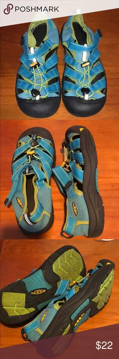 Keen Big Kid Newport Sandal sz 6 Lightly used condition - only wear shows on bottom. They were worn just a handful of times.  Machine washable and the best outfit sneaker/sandal combo. Check out Keens website for more details.  They are currently being sold new for $50 Keen Shoes