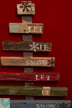 Let It Snow Rustic Christmas tree Pallet Art - Would be pretty on the fence by the deck with lights at christmas