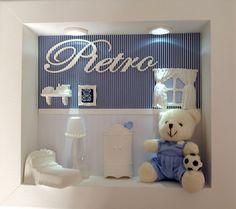 Enfeite para porta de maternidade e para quarto de menino. Com lindo ursinho de pelúcia e LEDs brancos! Garantia: 3 meses