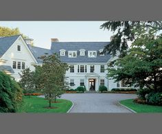 New England Homes...perfect summer living.    The Enchanted Home: Heavenly homes......come take a look!