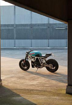 RocketGarage Cafe Racer: Ducati 750 Sport- JVB Moto